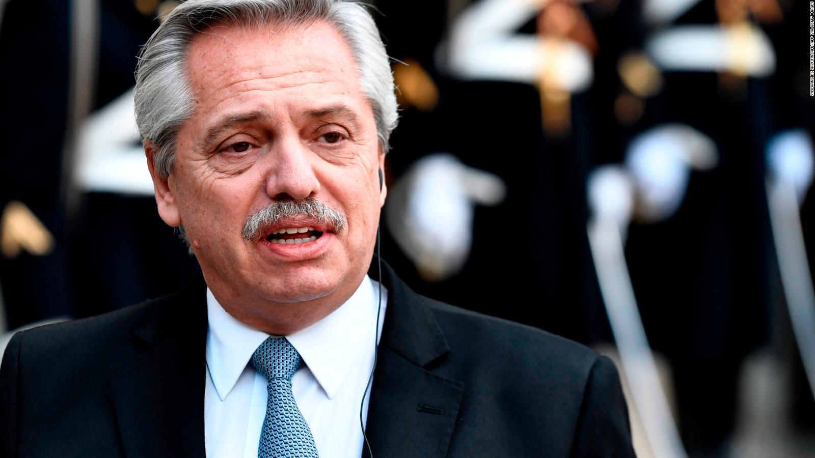 Fernández destacó el «esfuerzo «colectivo» de las fuerzas de seguridad