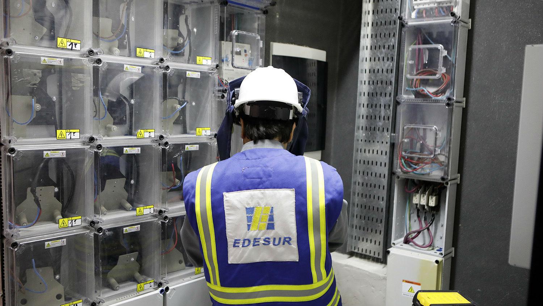 Edesur atribuye los apagones a un «estrés extraordinario» en la red eléctrica