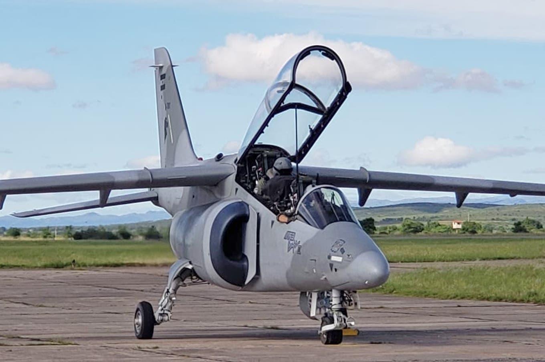 Acuerdo para desarrollar componentes nacionales para el avión Pampa