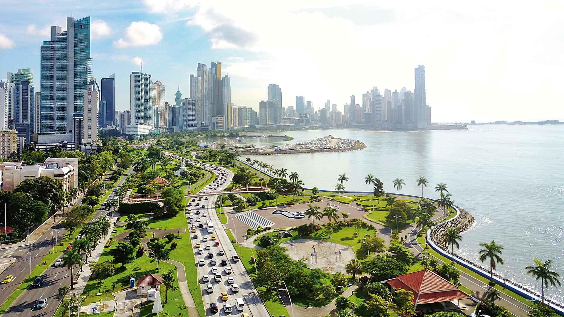 Panamá reabrió hoy algunos comercios minoristas después de cinco meses