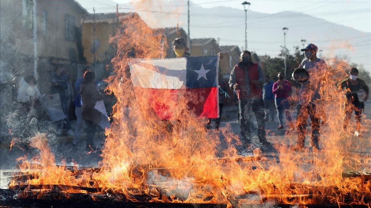 Chile: Detienen a policía acusado de dejar ciego a un joven