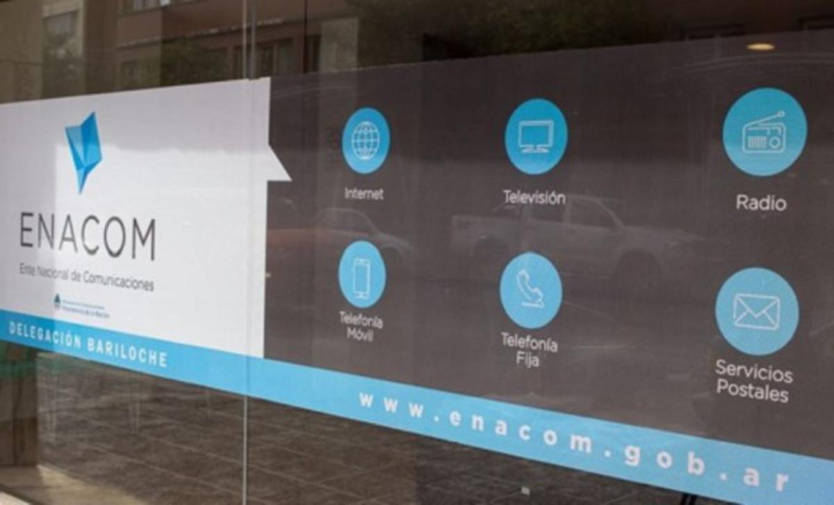 El Enacom comenzó a trabajar en reglamentación de DNU que declara servicio público a comunicaciones
