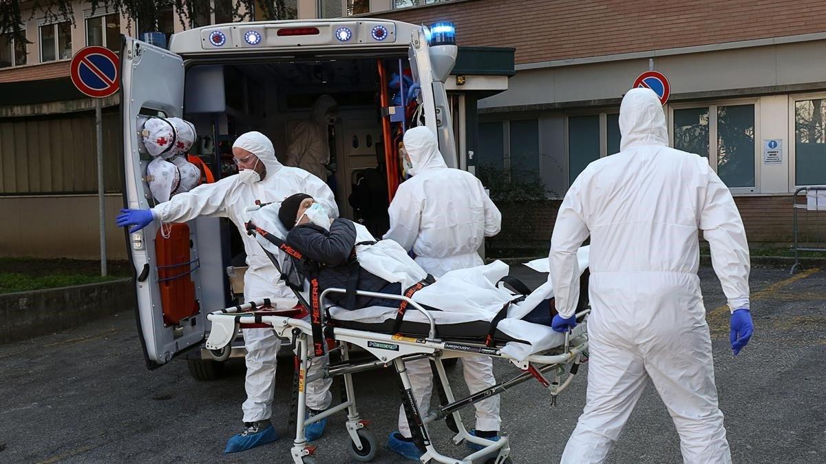 Italia: Se triplicaron los casos diarios en solo cuatro días