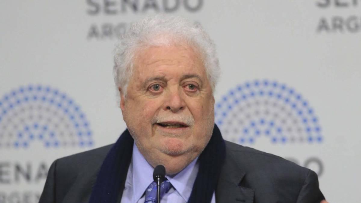 Ginés González García presentó el test de antígenos para covid-19