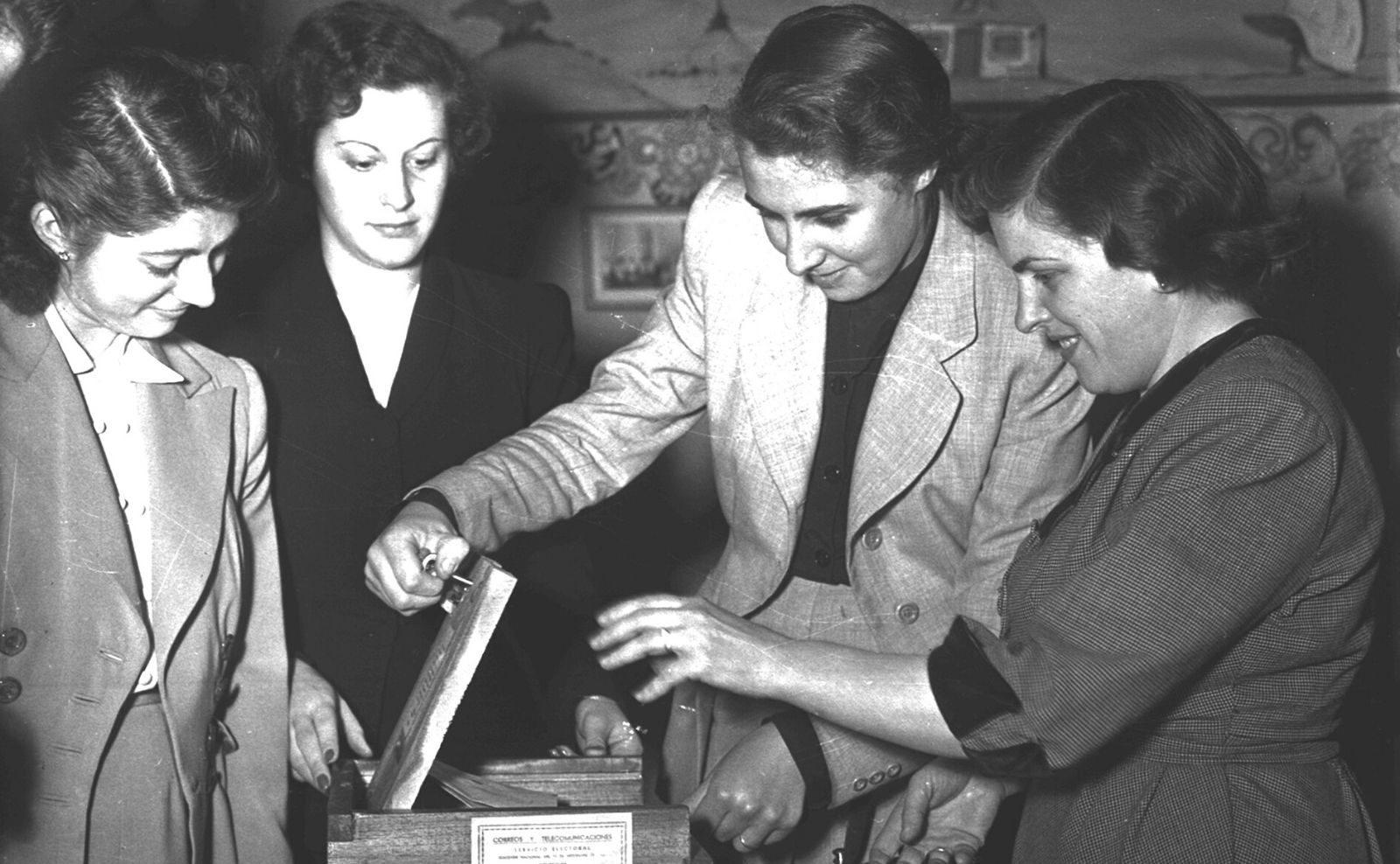Se cumplen 73 años del voto femenino