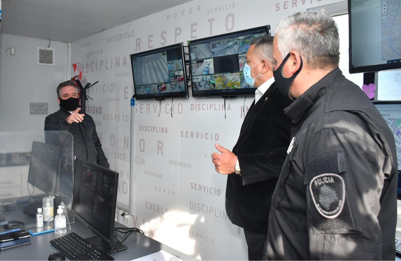 Presentaron la nueva Oficina de Monitoreo de Video Vigilancia en el Barrio 31 de Retiro