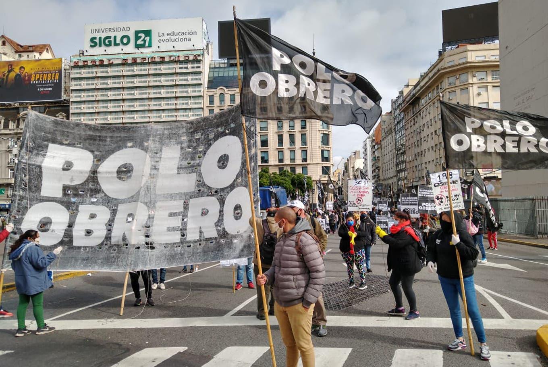 El Partido Obrero recibe donaciones en el Obelisco para familias de Guernica