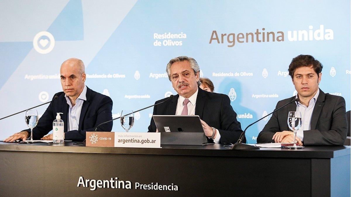 Fernández analizó con Kicillof y Larreta pasar de aislamiento a distanciamiento