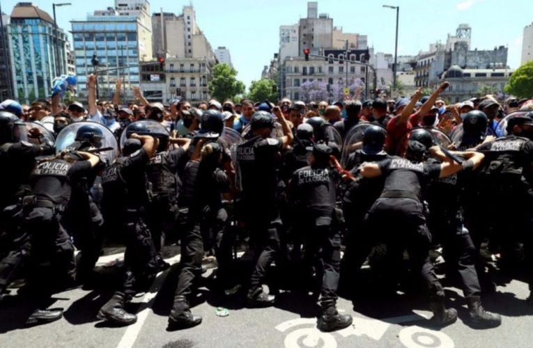 Alberto Fernández repudió accionar de la policía porteña y dijo que fue «una acción desmedida»