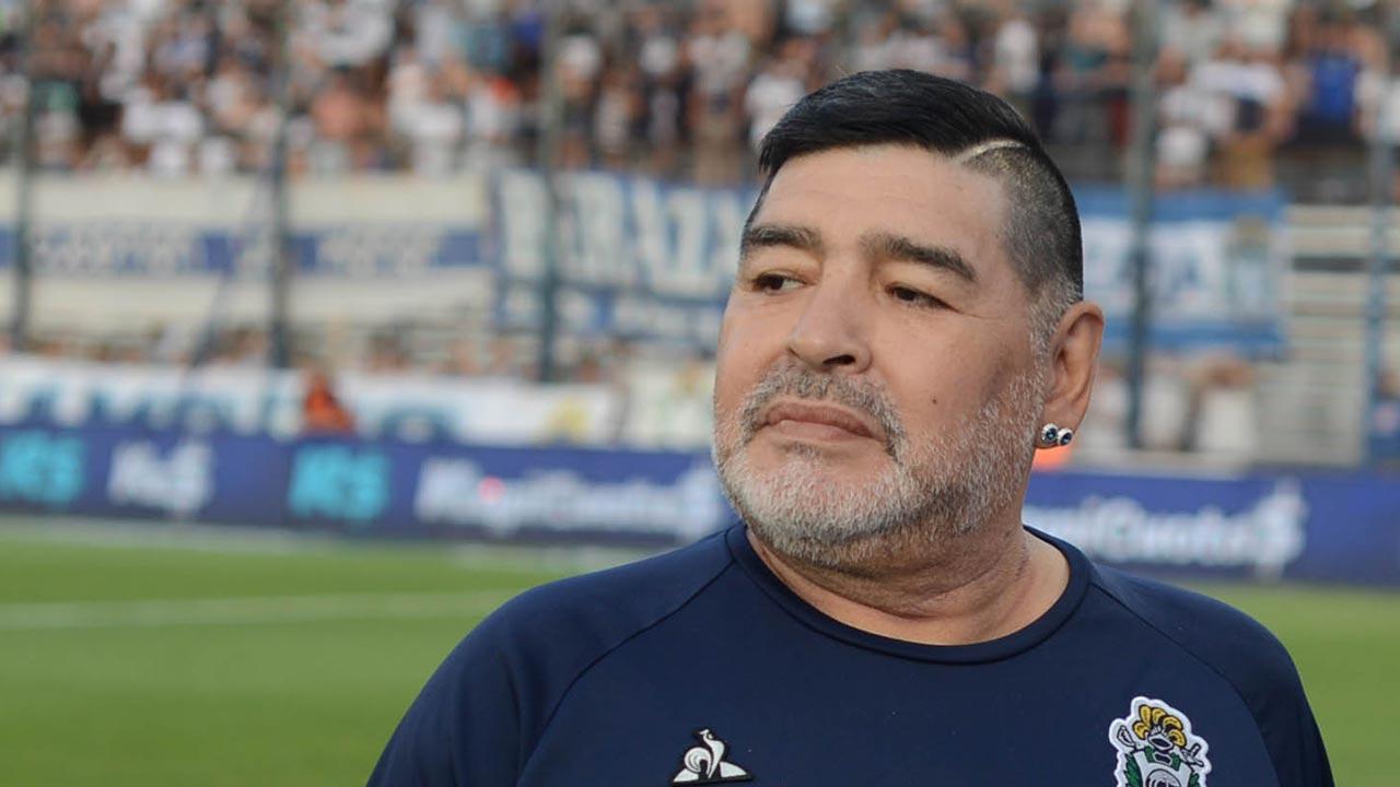 Diego Maradona será operado de un coágulo en el cerebro
