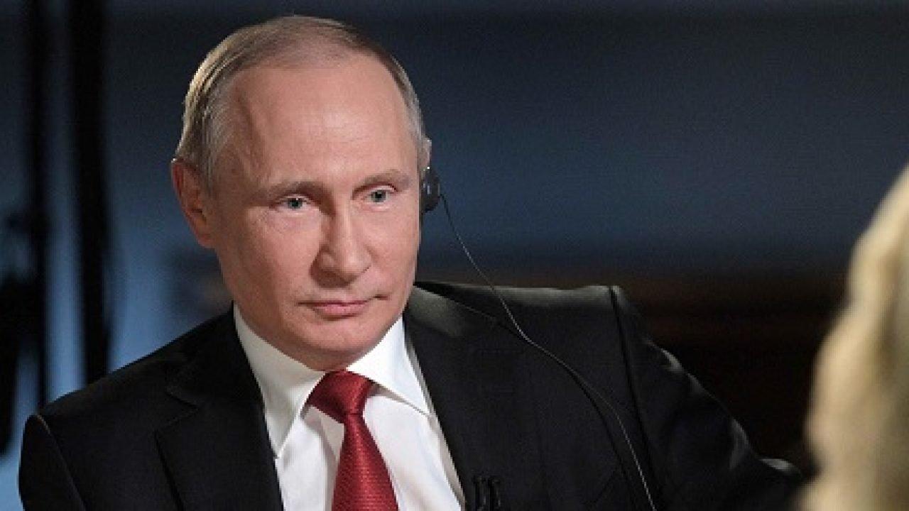 Putin insta a Brics a producir masivamente vacunas