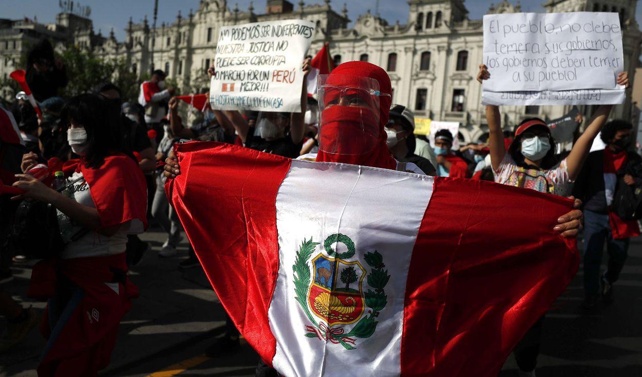 Merino renunció a la presidencia de Perú