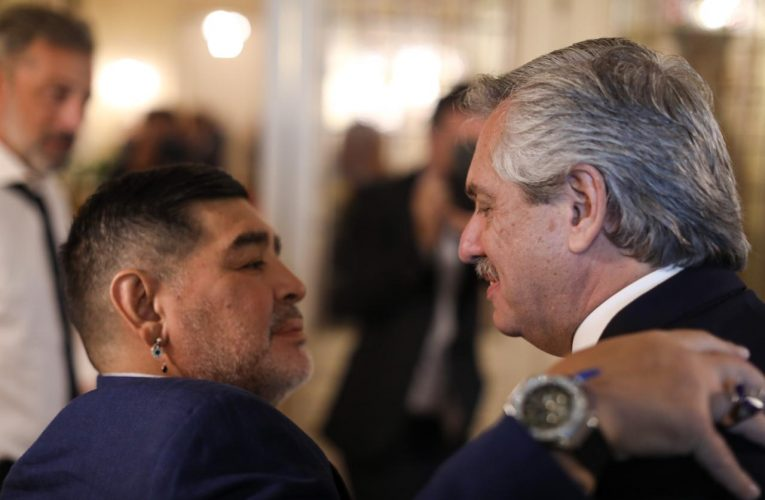 El Presidente agradeció carta de Morales sobre Maradona, en la que destaca su militancia