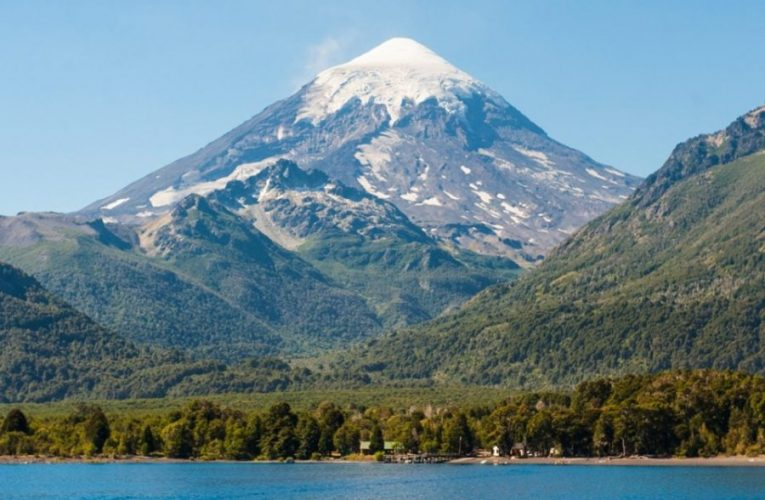 Neuquén instalará una red de monitoreo en el volcán Lanín