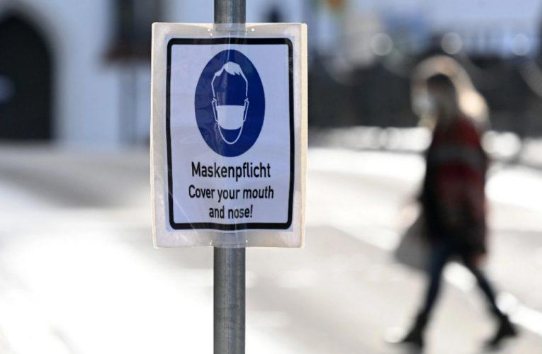 Alemania prohíbe los barbijos de tela en espacios públicos
