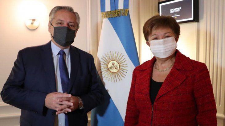 El FMI revisará los sobrecargos por pedido de Alberto Fernández
