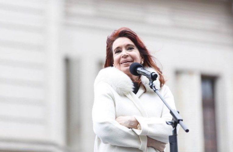 Cristina le pidió a la oposición que deje de especular con las vacunas