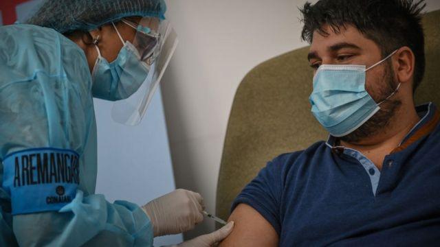 Uruguay aprobó una tercera dosis de la vacuna contra el coronavirus
