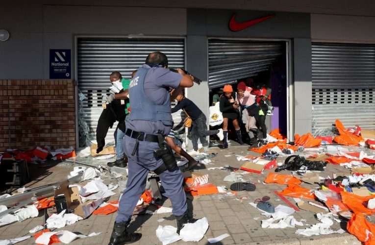Las protestas en Sudafrica continúan y ya son mas de 70 los muertos