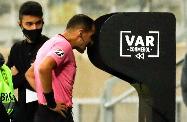 Conmebol publicó el audio del VAR en el gol anulado a Boca