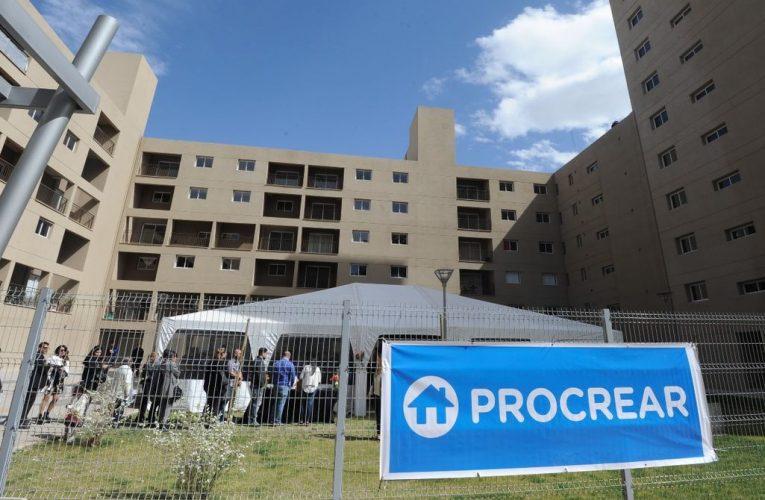 Procrear II: se entregaron 33 viviendas en Mendoza