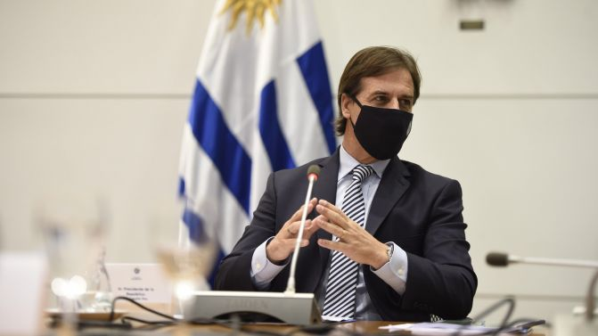 Uruguay retoma las clases presenciales sin distanciamiento obligatorio