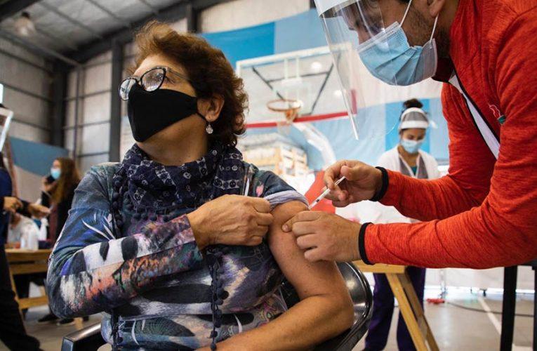 Coronavirus: el 90,1% de quienes tienen 60 años o más ya cuentan con la primera dosis