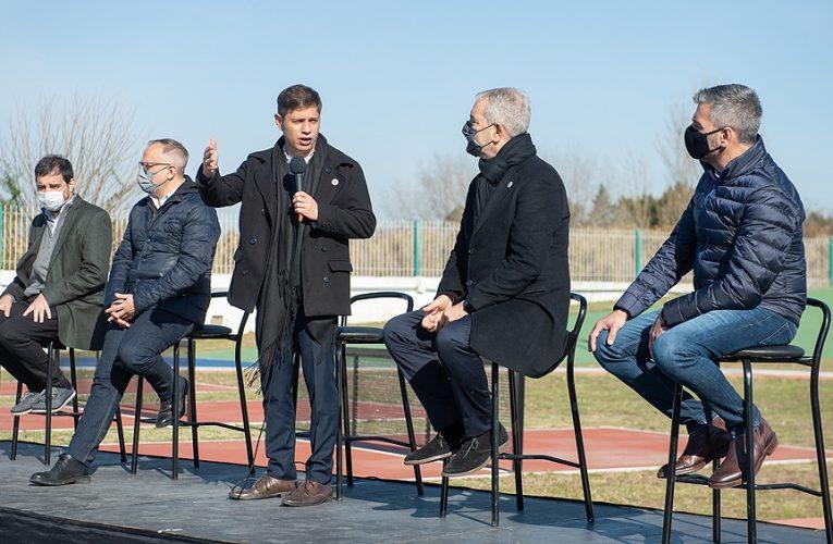 Kicillof entregó 8.000 escrituras para 21 municipios en Tres de Febrero