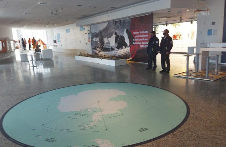 Inauguran un museo sobre los 70 años del Instituto Antártico Argentino