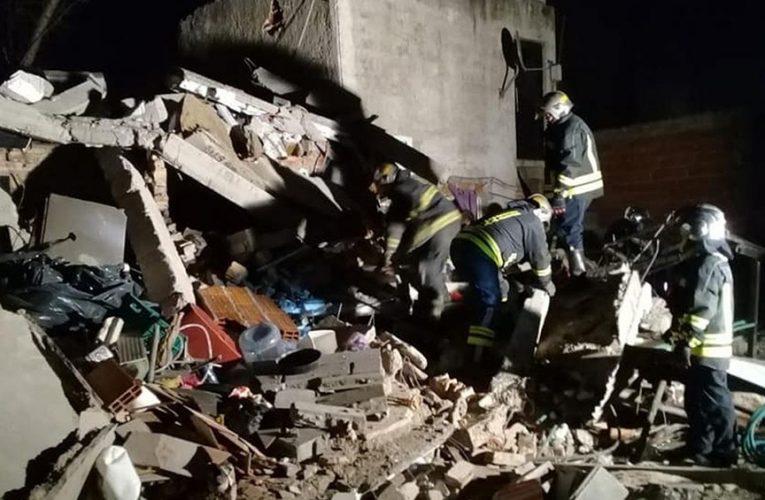Lomas de Zamora: fallecieron dos mujeres tras el derrumbe de una casa