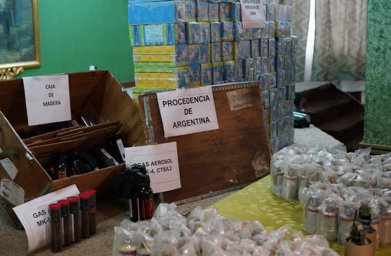 Las fotos del material represivo enviado por Macri a Bolivia