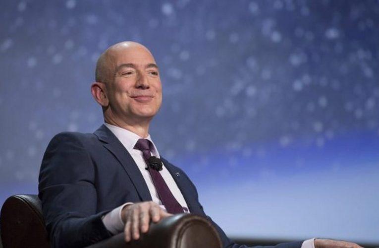 Jeff Bezos realizó con éxito su viaje al espacio