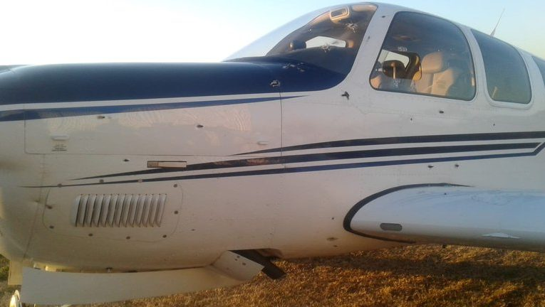 Ametrallaron la avioneta de un empresario en Berazategui