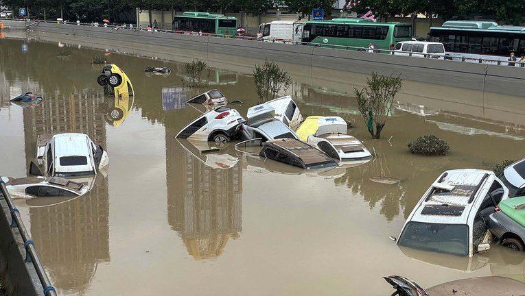 China: la población comenzó a cuestionar a las autoridades y su preparación para la catástrofe
