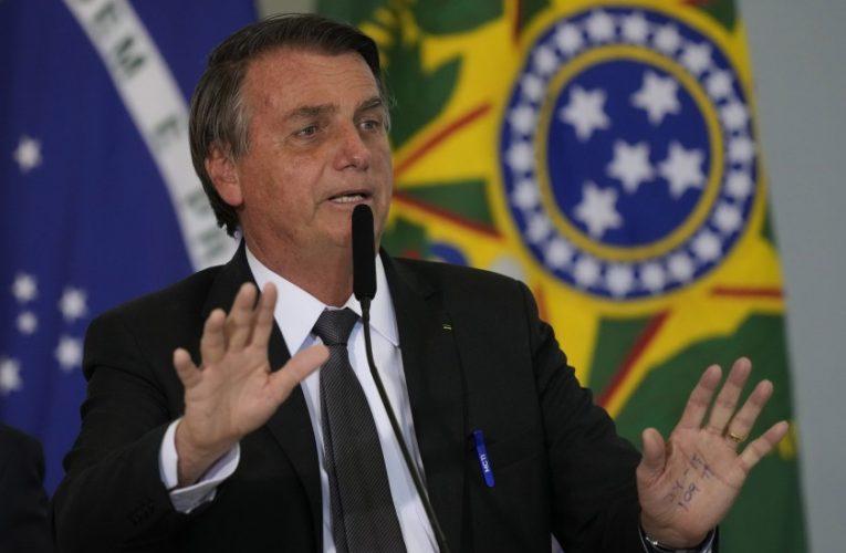 Bolsonaro apuesta a un cambio de gabinete para salvar la gestión